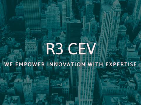 R3 که کنسرسیومی با بیش از هفتاد نهاد مالی بزرگ جهان را برای تحقیق و توسعه بلاکچین هدایت می کند پلاتفرم بلاک چین متن باز به نام کوردا (Corda) ایجاد کرده اند