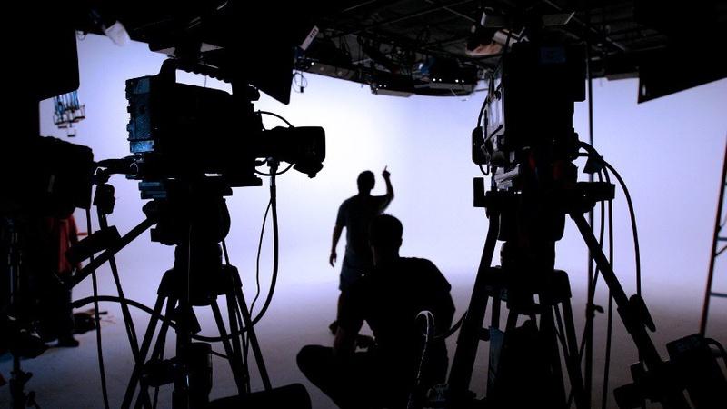 decent partnership with film independent مینو علیخانی