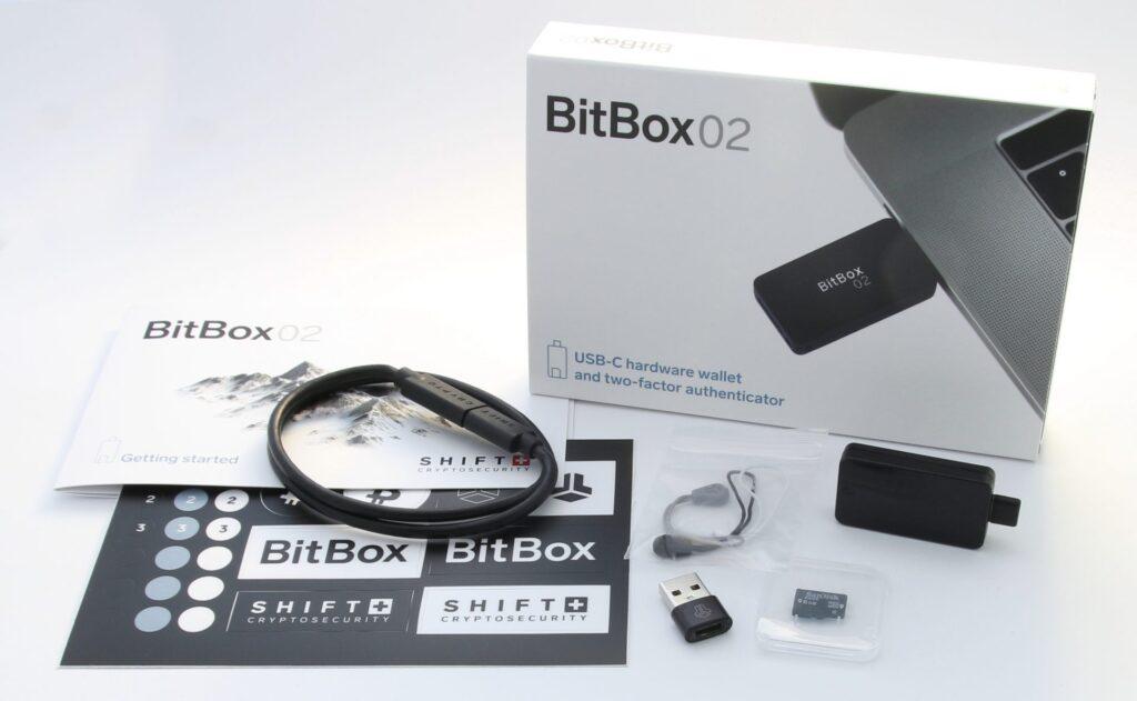 کیف پول سخت افزاری BitBox02