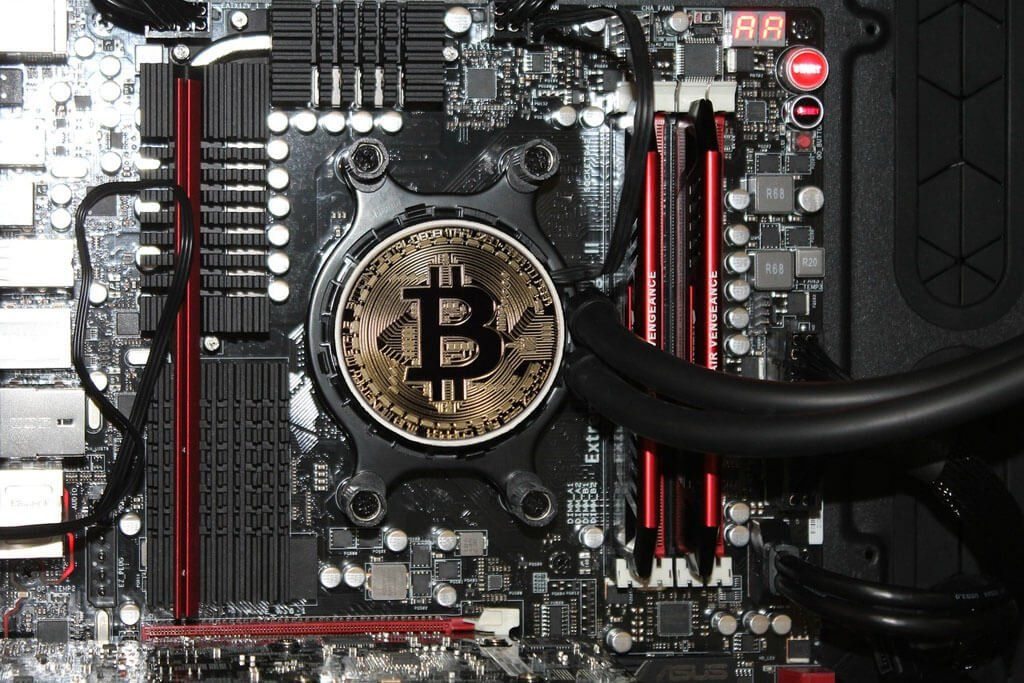 سلطهی Bitmain بر بازار دستگاههای استخراج بیت کوین با ورود MicroBT تنگ شده است