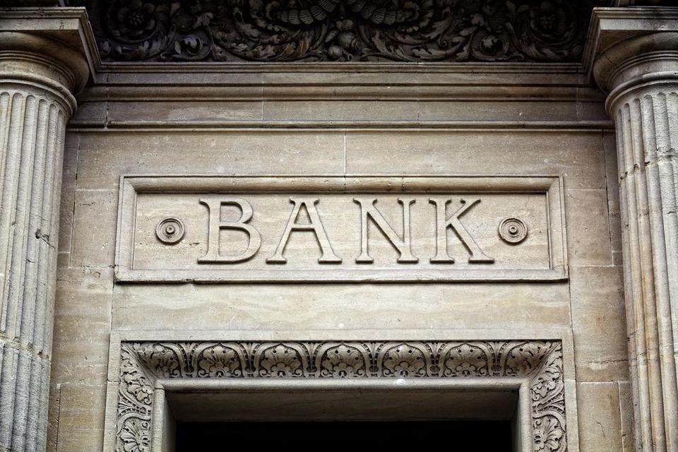 تسلا در هسته پیشران بیت کوین در حالی که بانکهای وال استریت از فضای رمز ارز دور هستند
